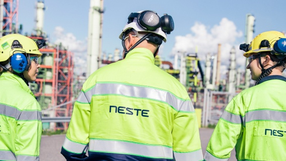 Neste manufactures its high-quality products in Finland, the Netherlands and Singapore.