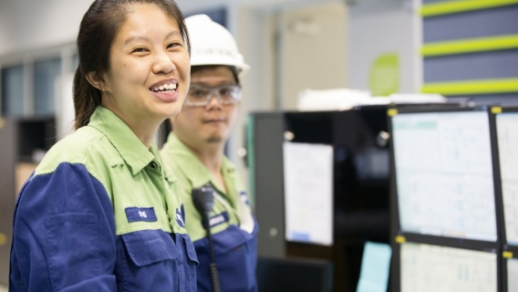 Neste focuses on operational excellence and safety. We make sure that our production systems run smoothly, are effective, and meet our customers' high standards.
