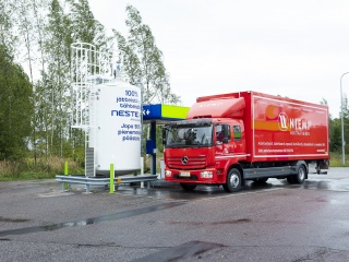 Starting from September 2019, Niemi Services, Finland's leading service provider in the moving and logistics industry, introduced Neste MY Renewable Diesel™ in all its diesel vehicles and stopped using fossil fuels altogether.
